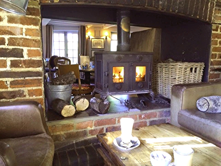 The Eltisley, Eltisley village, Cambridgeshire, dog walks in Cambridgeshire, dog friendly pubs, pubs with a garden