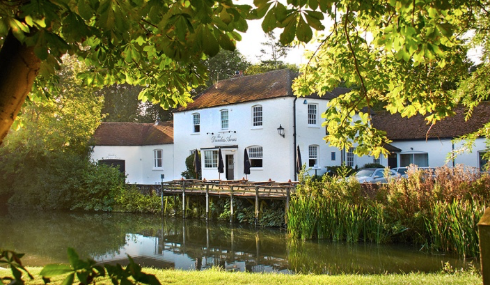 Top Sixteen Riverside Holiday Cottages