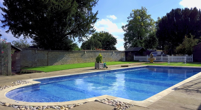 River Nene Cottages Swimming pool