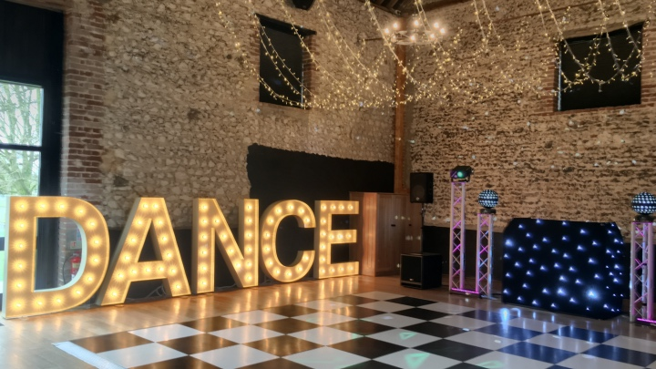 Frocks & Rocks Party Light hire