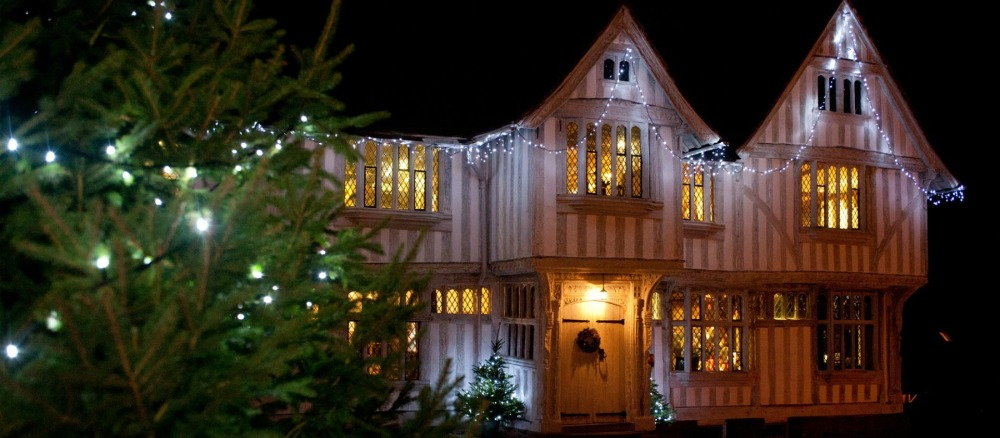 tudor guildhall decorated for Christmas