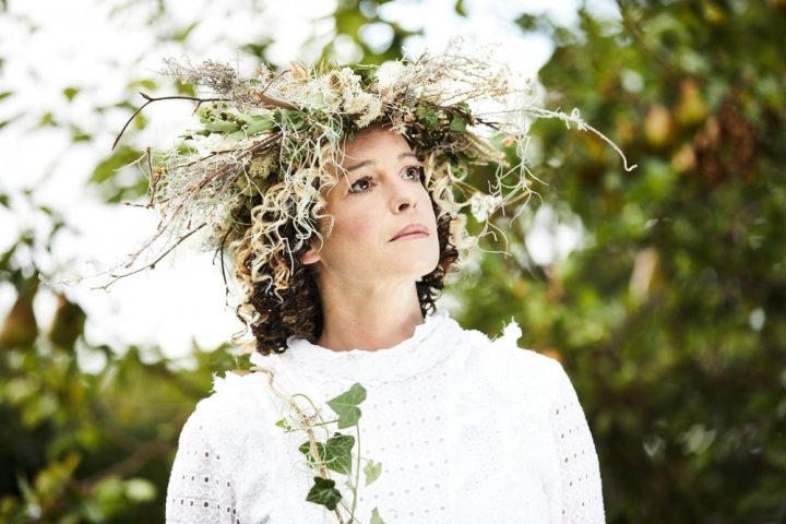 Kate Rusby with a floral crown