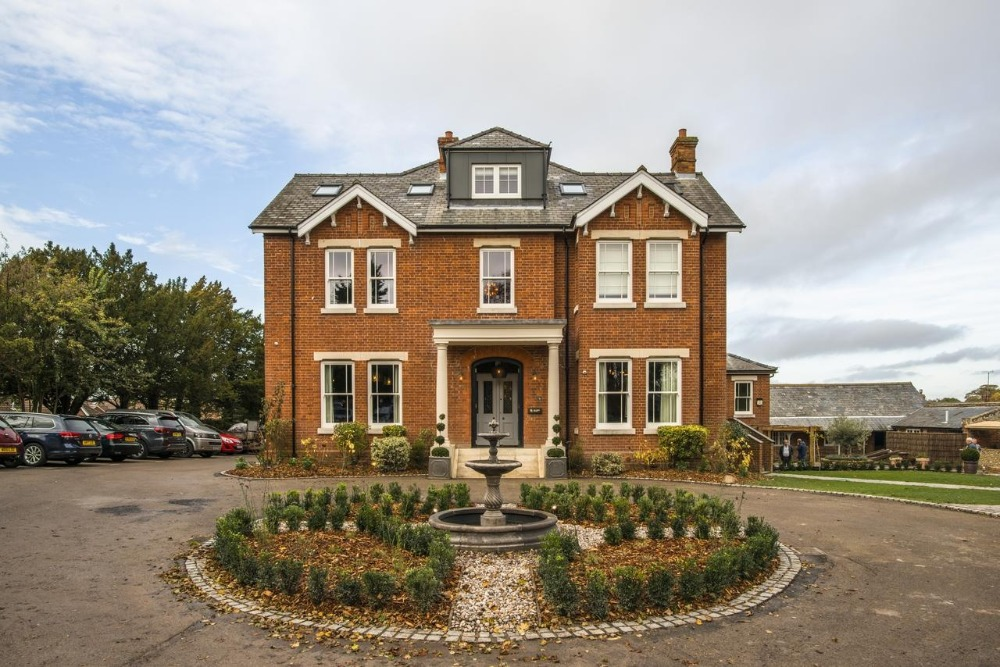 the lodge hotel Duxford