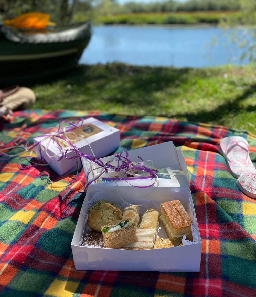 Sweet things Savoury picnic